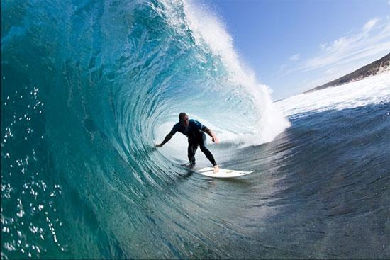 Chinh phục những con sóng cao vài mét khiến bạn vô cùng thích thú