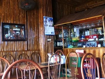 Bamboo Cafe Cát Bà