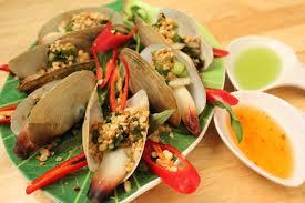 Tu hài hấp - Món ăn hấp dẫn cho tour du lịch Hạ Long hè.