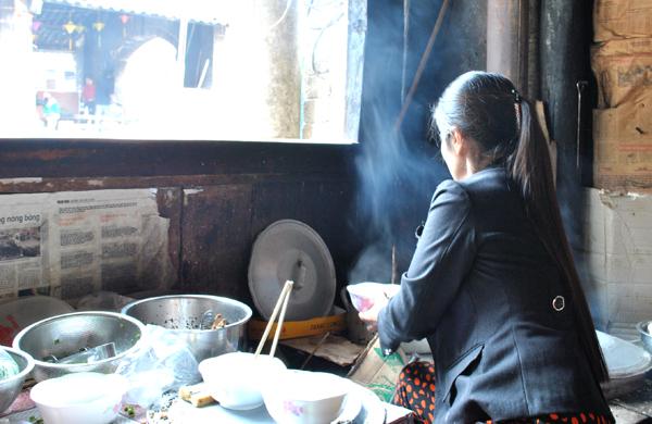 Quán bánh cuốn ở phố cổ Đồng Văn