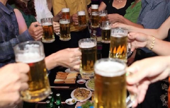 Uống quá nhiều bia rượu gây ảnh hưởng đến sinh lý nam giới