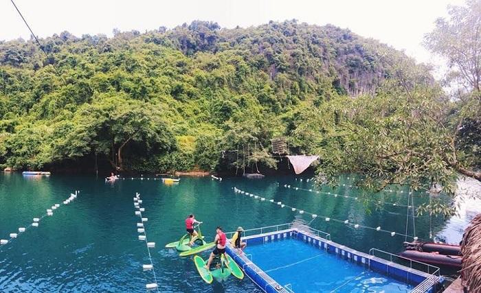 Vui chơi tại Sông Chày - Hang Tối