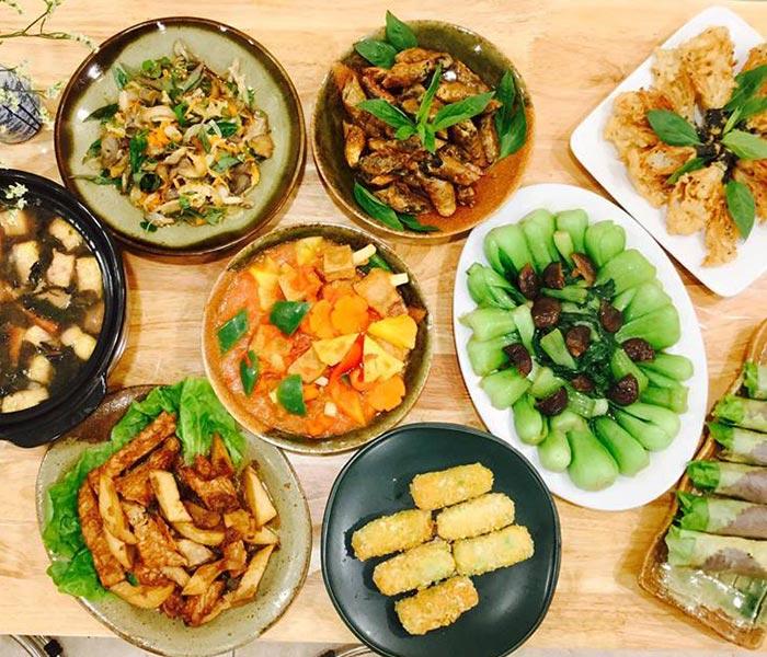 Những món ăn chay cũng rất bắt mắt và ngon miệng không kém các món ăn từ thịt cá